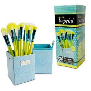 Set LOVE IS-.HOPEFUL 12 pensule machiaj BOX (1)