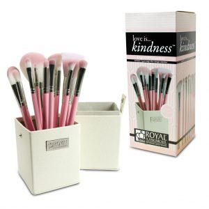 Set LOVE IS KINDNESS 12 pensule machiaj BOX (1)