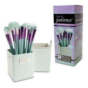 Set LOVE IS PATIENCE 12 pensule machiaj BOX - Set LOVE IS PATIENCE 12 pensule machiaj BOX 1 300x300