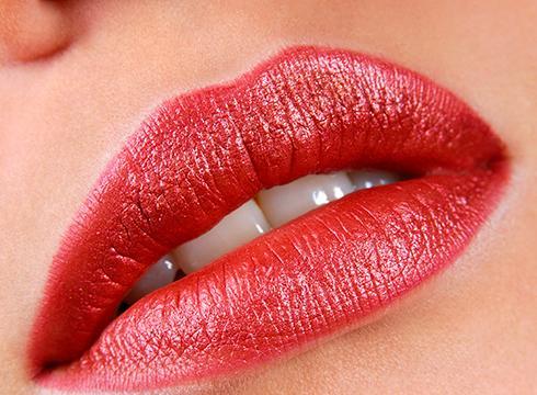 TUTORIAL - Cum se realizează machiajul buzelor - LL Img