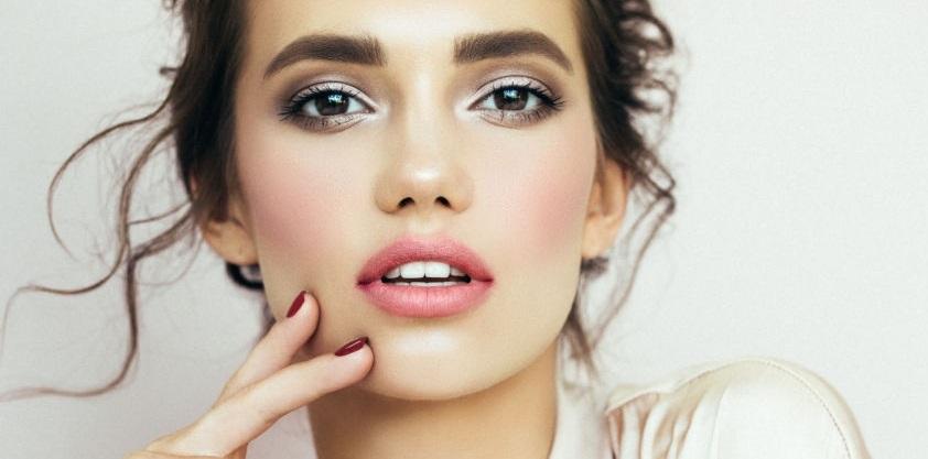 7 reguli de bază în make-up. Tu le respecți? - pensule machiaj